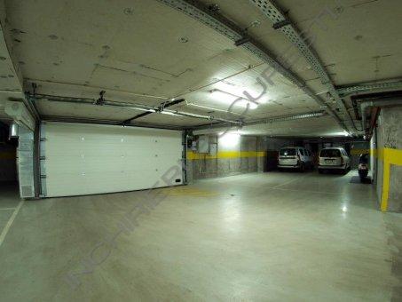 inchiriere apartament 3 camere cu garaj