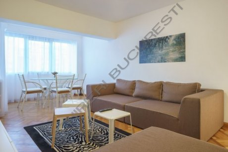 living apartament 4 camere decebal