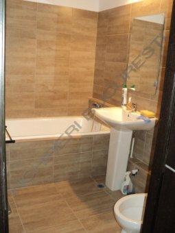 baie cu dus apartament Stirbei Voda