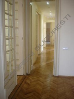 apartament cu 5 camere de inchiriat
