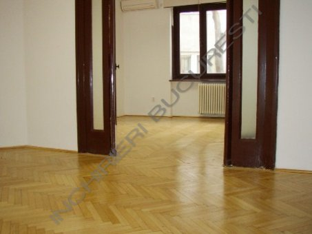 apartament 7 camere parter dacia