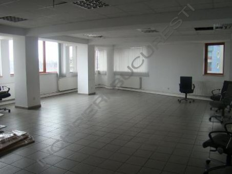 fatada cladire birouri zona Plevnei