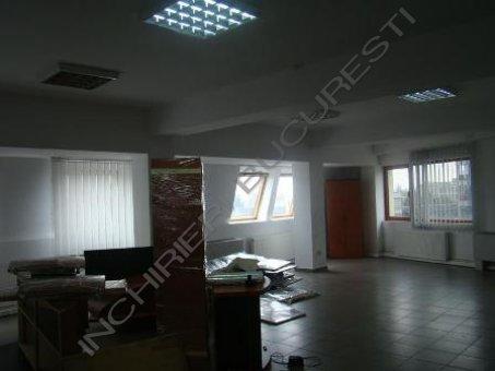 spatiu de birouri compartimentat sau open space