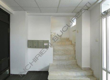 scara interioara cladire birouri