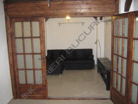 usi lemn masiv apartament lux banu manta