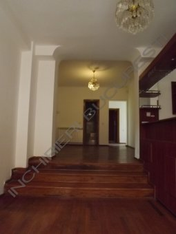 inchiriez apartament 5 camere parcul carol