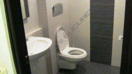 grup sanitar spatiu birouri