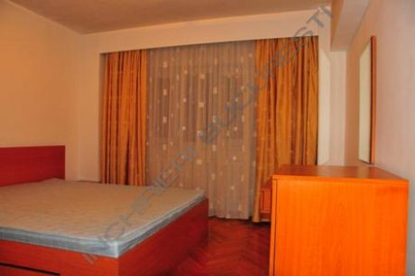 dormitor apartament 3 camere calea calarasilor