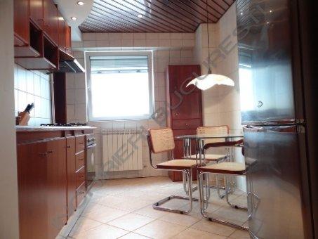 bucatarie mobilata lux apartament 3 camere