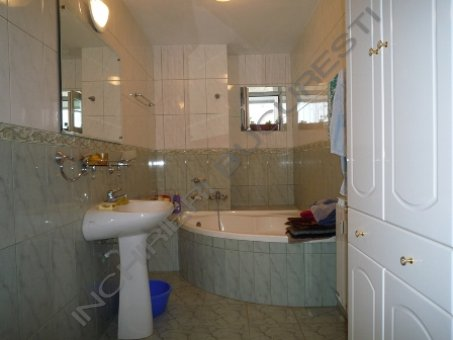 baie mobilata