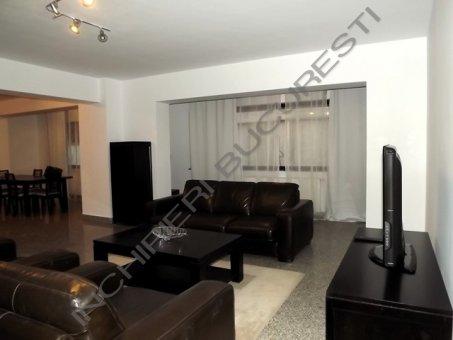 inchiriez apartament 5 camere