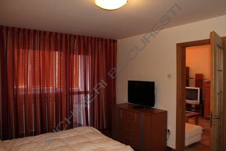dormitor mobilat apartament 2 camere polona