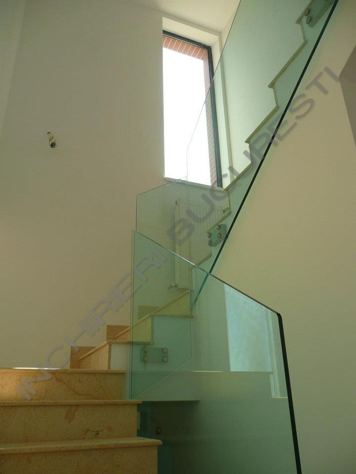 scara interioara geam apartament lux