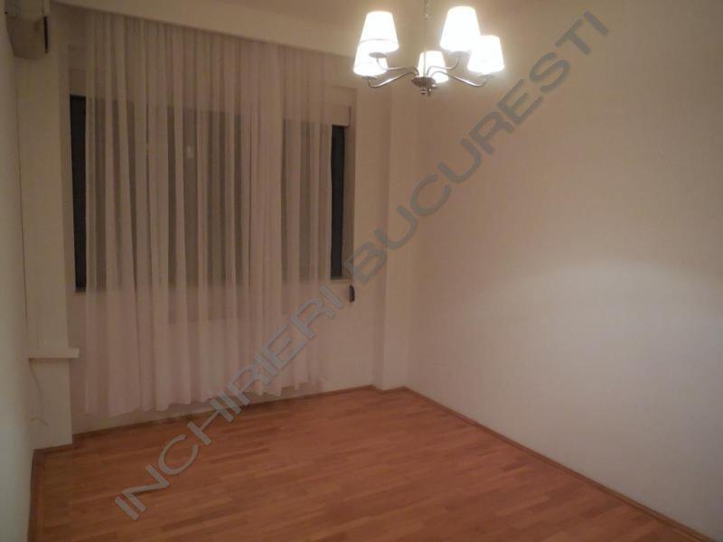 dormitor apartament primaverii
