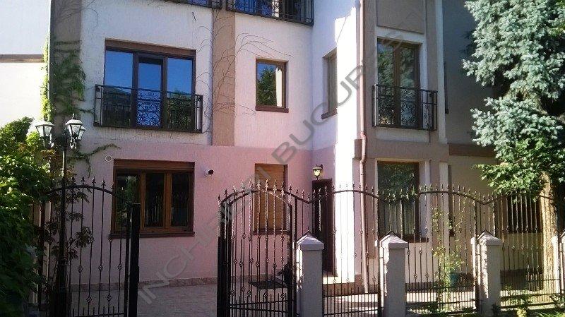 Vila de inchiriat Piata Domenii, 300mp