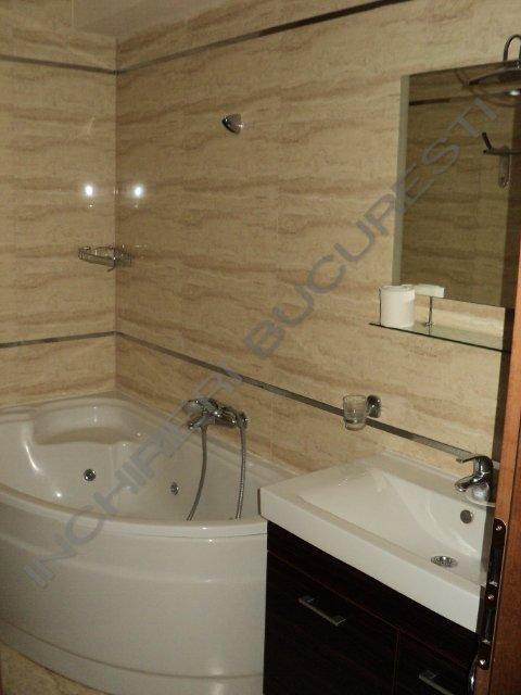 baie cu dus si cada apartament Plevnei