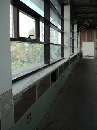 cladire noua cu spatii de inchiriat