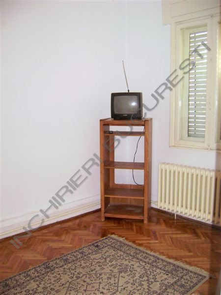 apartament 4 camere in vila cotroceni