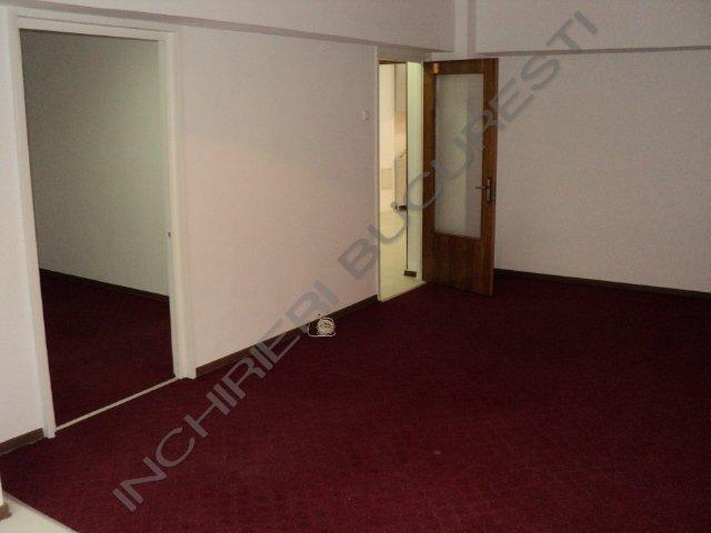 inchiriez apartamente 3 camere renovat calea victoriei