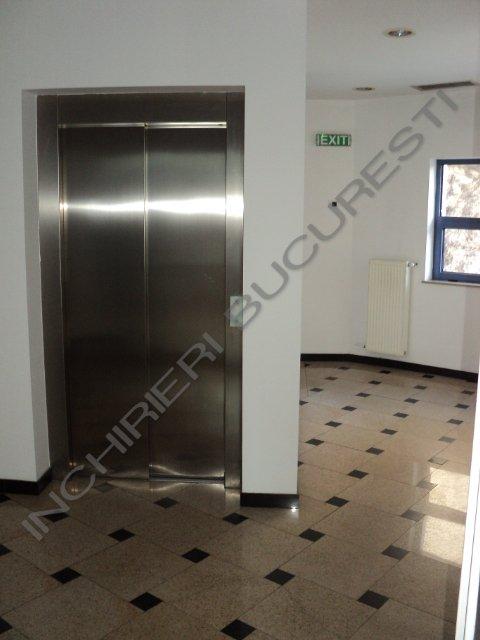 lift cladire de birouri