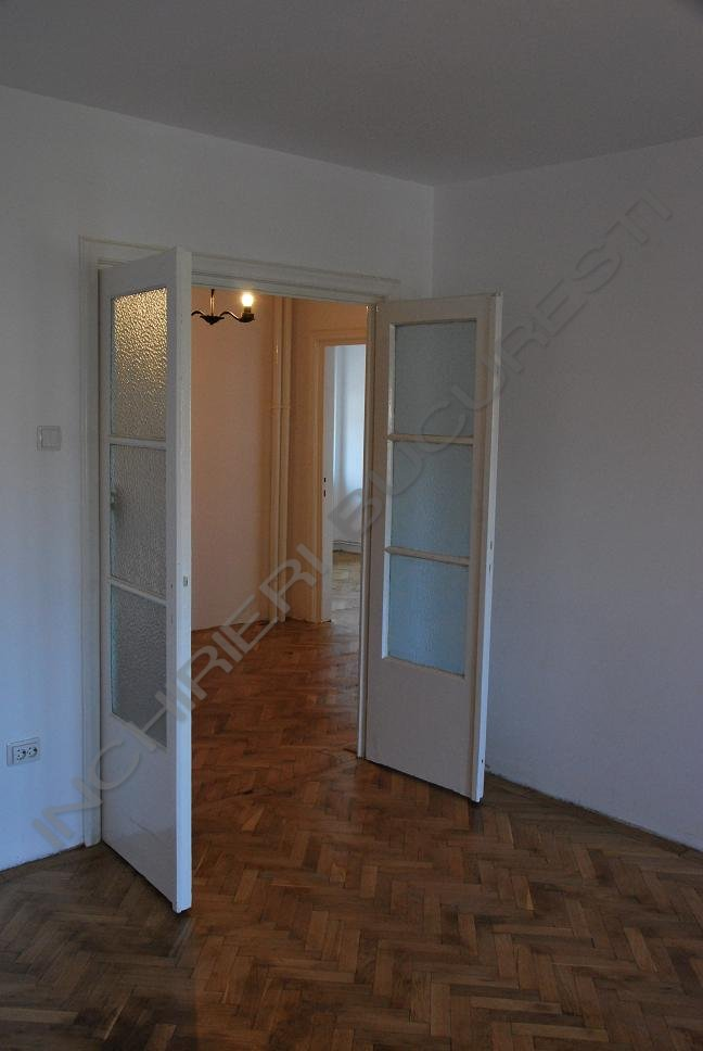apartament in vila renovat