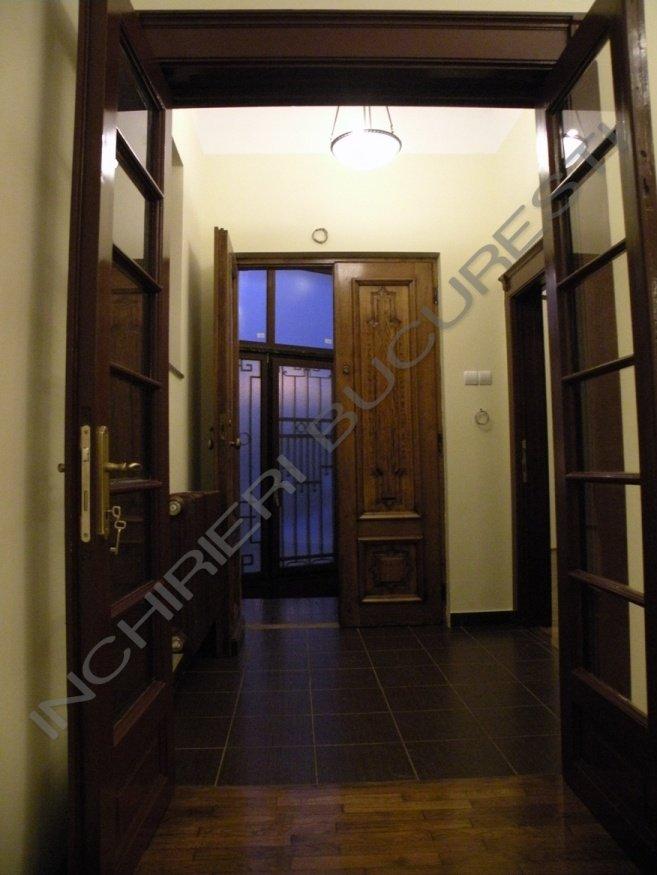 intrare usi lem nasiv apartament lux