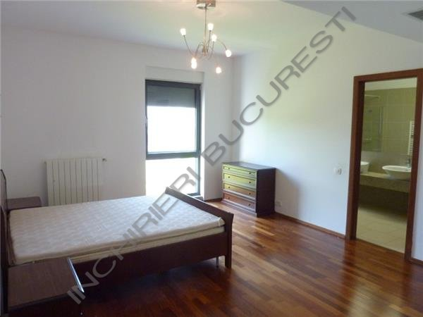 dormitor mobiolat apartament baneasa