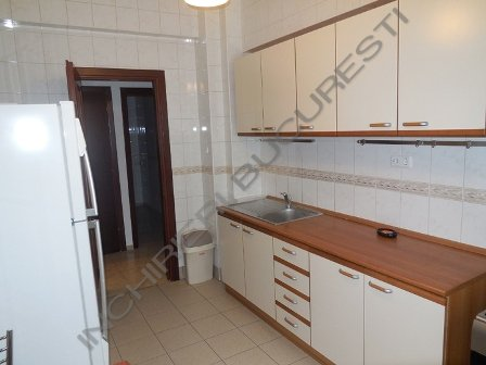 bucatarie mobilata apartament 4 camere primaverii
