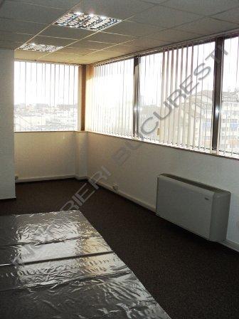 spatiu birouri open space sau compartimentat