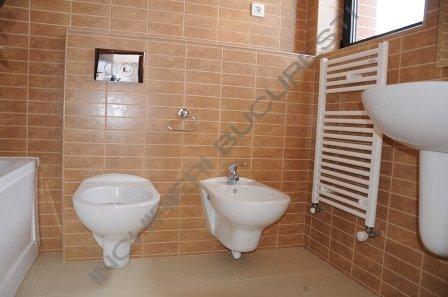 baie apartament lacul tei imobil nou