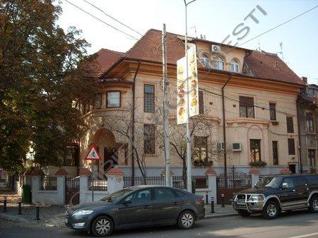 Inchiriere apartament 5 camere in zona Cotroceni