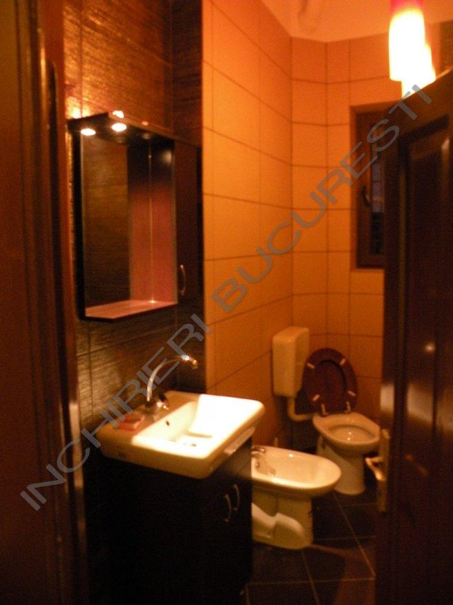 baie lux apartament 5 camere
