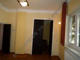 Inchiriez apartament cu 3 camere Polona