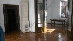 Vila de inchiriat  Piata Victoriei Buzesti,165mp