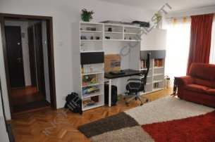 Inchiriez apartament cu 3 camere Aviatiei