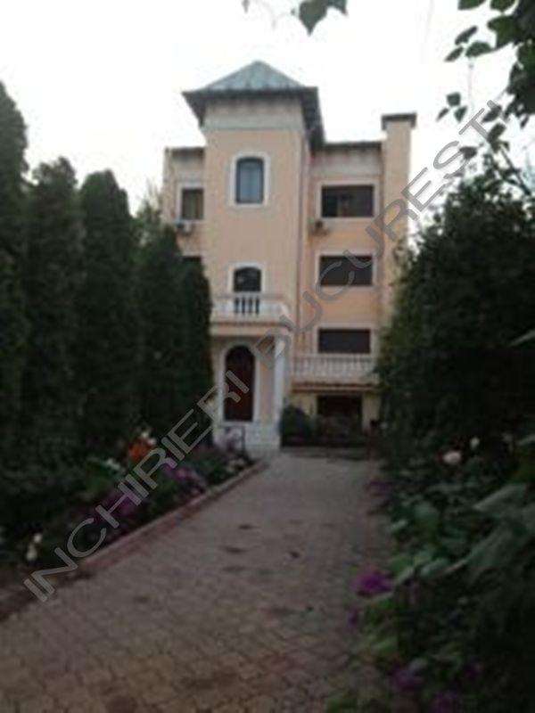 Stefan cel Mare-Eminescu inchiriez vila